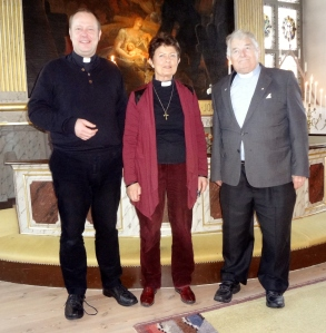Magnus, Åke och jag i Kisa kyrka.